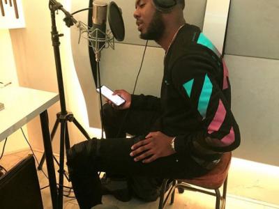 Henkie T in de studio